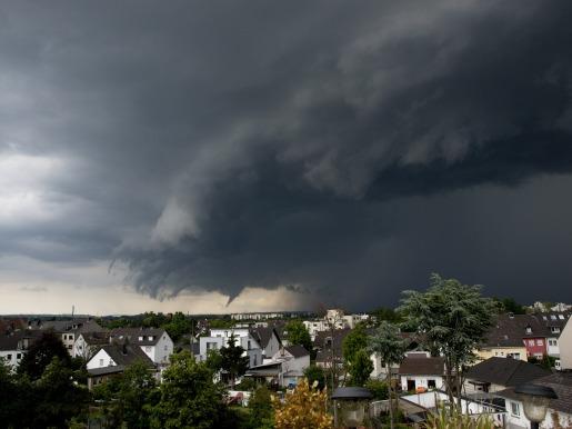 thunderstorm-358992_1920